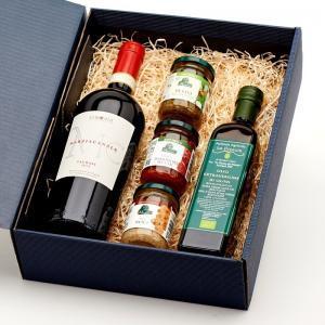 """Coffret Cadeau """"Intensité à l'italienne"""" contient 1 bouteille de Marziacanale Taurasi DOCG et 4 spécialités italiennes de notre épicerie."""