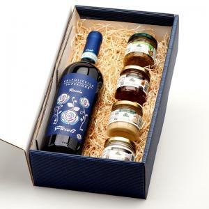 Le Coffret Valpolicella et délices à la truffe contient 1 bouteille de Valpolicella Superiore et 4 spécialités italiennes à la truffe.